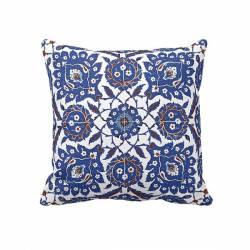 Nicaea tile pattern Pillowcase