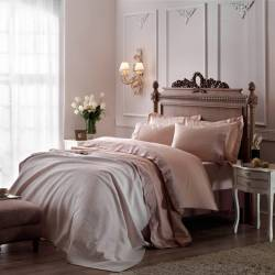 Clodia Jakar Bedroom Marriage Set